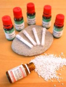 Globuli und Tropfen - Homöopathie bei Heuschnupfen